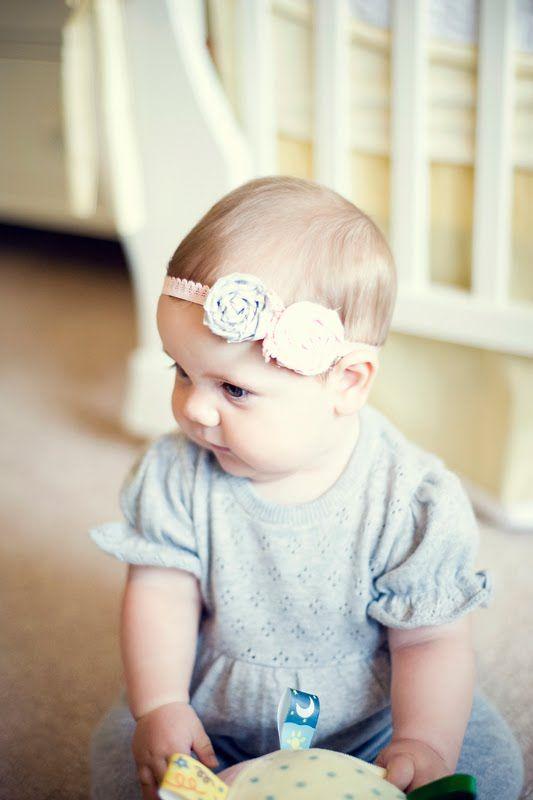 http://littleredwagonphotography.blogspot.com/2010/08/lrw-creative-diy-baby-headband-and.html