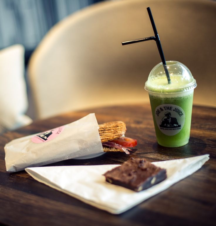 Joe and the Juice in Copenhagen Airport offers a healthy meal (and brownies for the sinful) in great surroundings. Mmmm :)
