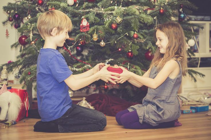 Our sibling tree tradition helps our kids bond with one another