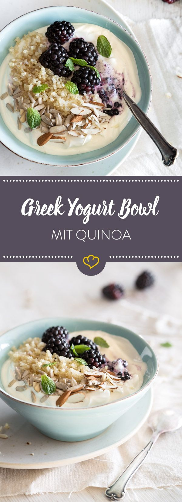 In dieser Bowl wird griechischer Joghurt mit Honig vermischt. Dazu gesellen sich noch Quinoa, Brombeeren, Mandeln, Sonnenblumenkerne und Minze. Lecker!