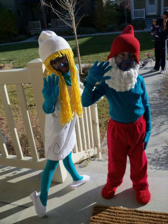 #DIY Papa Smurf costume #DIY Smurfette costumeHomemade Smurfs costume! They loved this one too!