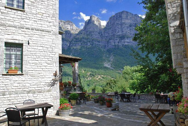 GREECE CHANNEL | PANTHEON Traditional Inn | #Epirus #Ioannina #Papigo #Greece #GuestInn http://www.greece-channel.com/