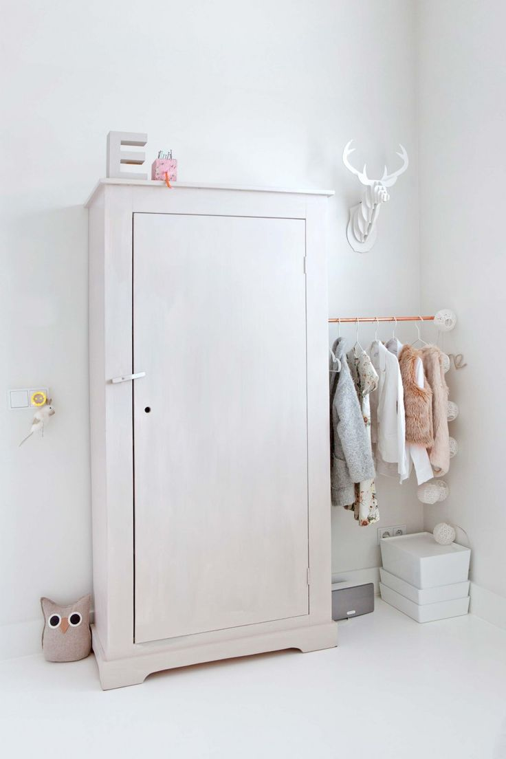 Perfect closet for a nursery / kids room