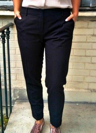 A vendre sur #vintedfrance ! http://www.vinted.fr/mode-femmes/pantalons-carotte/17011768-pantalon-chic-noir-mango-classe
