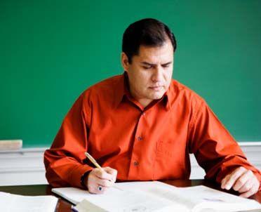 Przekształcenie umowy w mianowanie tylko dla nauczycieli realizujących pełny wymiar zajęć