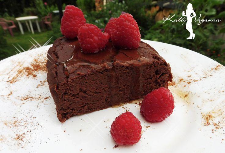 Když chcete zhubnout, tak se musíte vzdát všech sladkostí?? Určitě ne! Já sladké miluju a potřebuju ho mít každý den. Vzniklo tedy tohle fazolové brownies!
