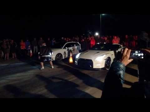 2017 Nissan GTR R35 vs 2017 Audi RS3 Quadro street race