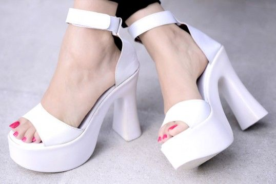 Street Style Store White Leather Solid Sandals  #HeeL #PArTy #FasHion