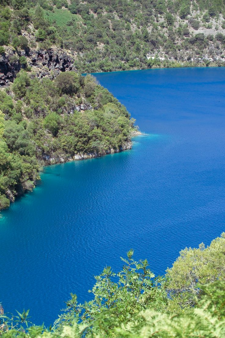 The best time to see Mount Gambier's famous Blue Lake is February and March each year . Their is nothing like it in the whole world.