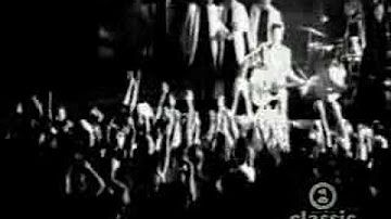 Elvis Presley - Hound Dog (1956) HD 0815007 - YouTube
