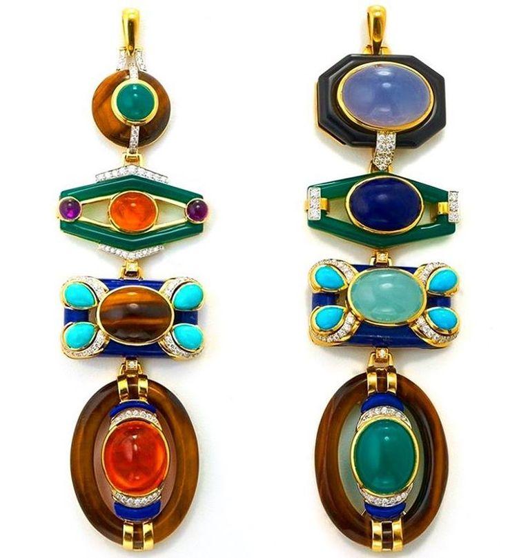 "491 Me gusta, 16 comentarios - The Jewellery Digital Diary (@donna.jewel) en Instagram: ""Totem Pendant // designed by David Webb"""