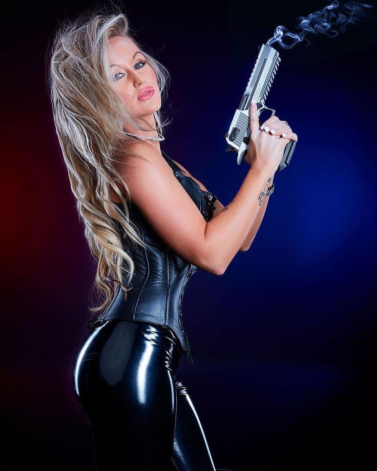 """There is no force more powerful than a woman determined to rise."" ✔️ #guns #gunsdaily #gunporn #gunsandgirls #girlswhoshoot #ar15 #glock #glocklife #glockgirls #photoshoot #tactical #badass #sexy #blackedout #pewpew #tacticallifestyle #gunrange #deserteagle #pistol #firearm #fitchick #handgun #pewdiepie #blonde #beauty #curves #hot #instagood"