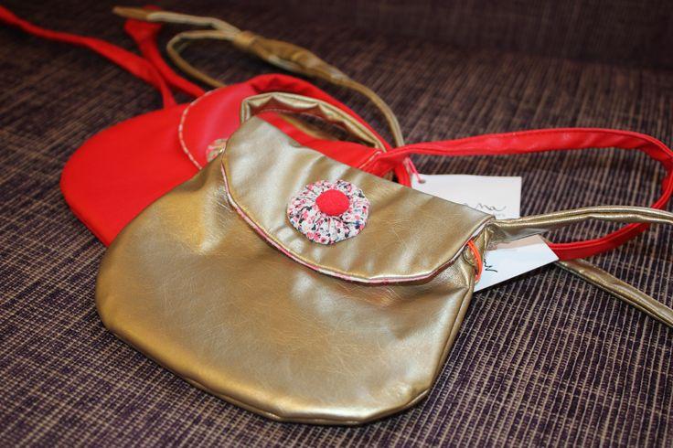 Handtasjes voor kleine meisjes, van het Franse merk NaNaNa. #nanana #hetlandvanooit http://www.hetlandvanooit.be
