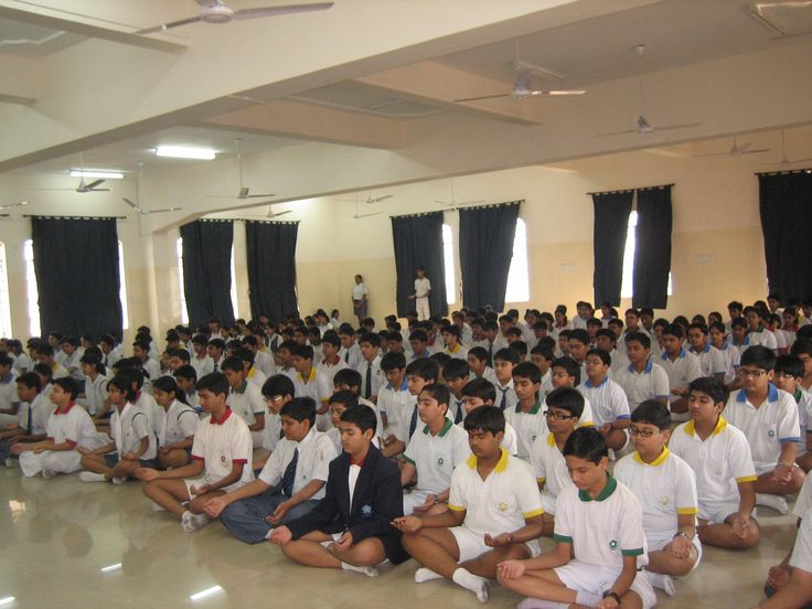 Students in Meditation India