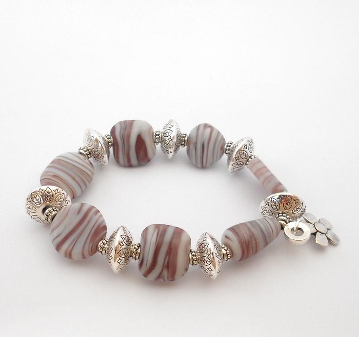 Brown/cream beaded bracelet.