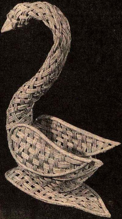 Как сплести из лозы лебедя (ваза)