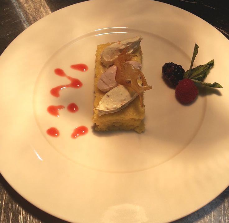 Pavé of cake with semolina accompanied by duo of dumpling of mascarpone