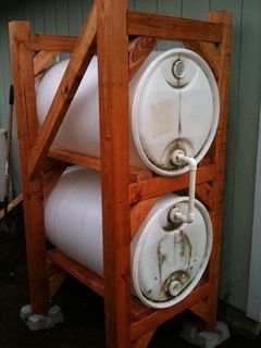 How to build this stacked rain barrel system.