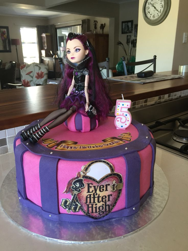 Raven queen birthday cake, ever after high party