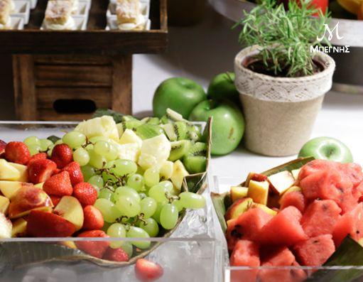 Θέλετε έναν υγιεινό και ελαφρύ επίλογο για το μενού της εκδήλωσής σας; Η Μπεγνής σας προτείνει μια πλούσια ποικιλία φρούτων που θα χαρίσουν χρώμα, αρώματα και γεύση στον μπουφέ σας!
