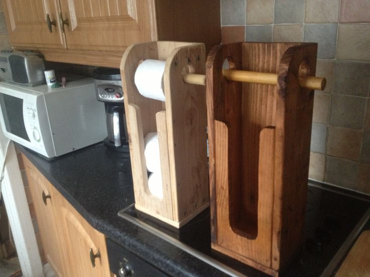 Loo roll holders. Waxed and unwaxed. Pallet wood for the win