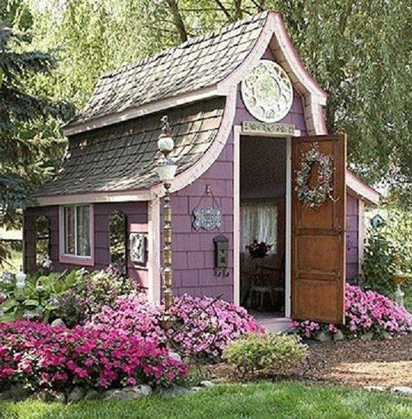 I want one of these!!!!!!!! Forget man caves;  it's she sheds.