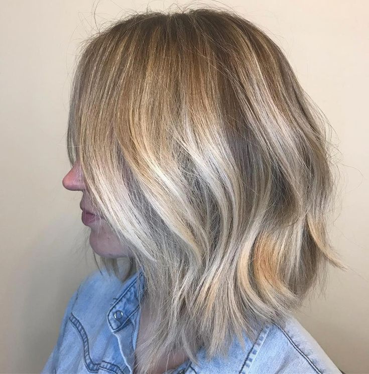 Bob haircuts are majorly popular right now — with every celebrity from Carey Mulligan, to Julianne Hough, to Charlize Theron trying out the trend. O