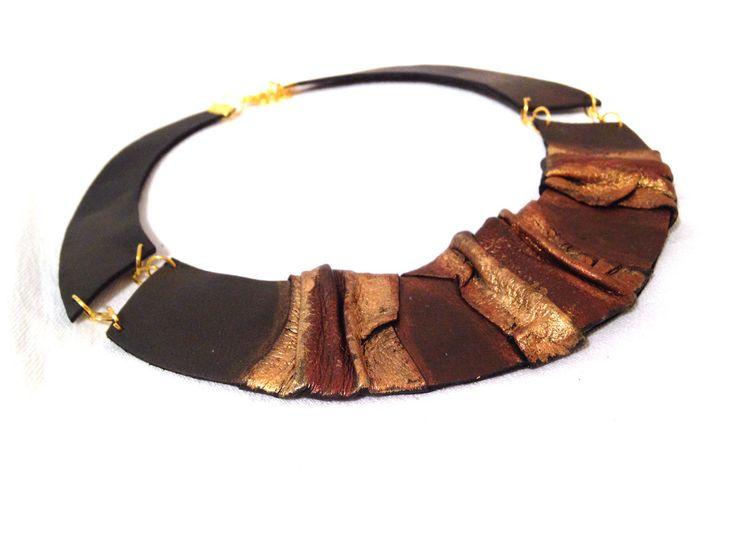 Lätzchen Leder Halskette Leder Schmuck Halskette Elegant-Anweisung. von julishland auf Etsy https://www.etsy.com/de/listing/175279599/latzchen-leder-halskette-leder-schmuck