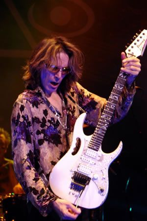 Steve Vai - Guitar Player Extraordinaire
