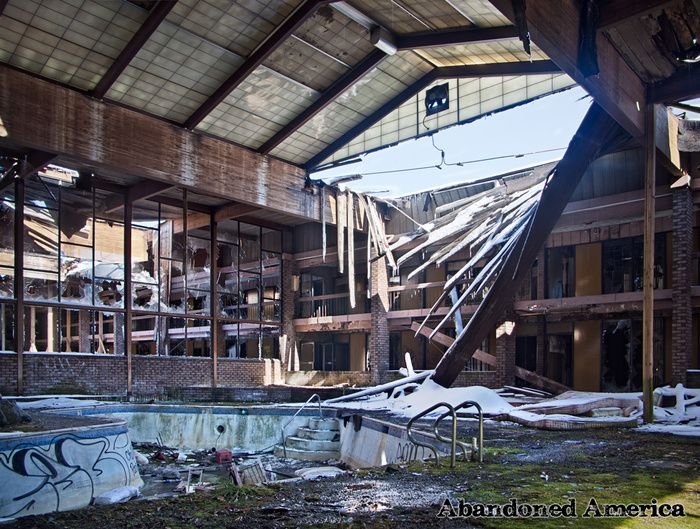 Abandoned America Built in 1950 just outside Lancaster, PA as the Conestoga Motor Inn,  was also known as Sheraton Conestoga, ga Resort Inn, and Lancaster Farms Resort. In 1986 it was renamed again: the Shawnee Lancaster Resort. By 1989 the resort was insolvent and closed and left to the elements for nearly two decades.