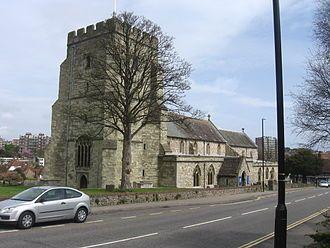St Mary's church     Eastbourne:  Un programa para aprender inglés,  arte y deportes por igual.     Eastbourne es una de las ciudades costeras mejor conservadas del Reino Unido y, además, es uno de los lugares más soleados del país.     #WeLoveBS #inglés #idiomas #Eastbourne  #ReinoUnido #RegneUnit #UK  #Inglaterra #Anglaterra