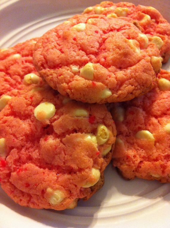 strawberry cake mix cookies | Cookies/Bars | Pinterest