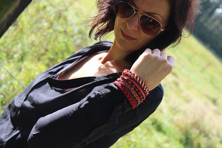 Wings Byou bracelet India & B.Loved blouse zijde zwart € 24,95 (NU € 12,50) / € 69,95 #wingsbyou #byou #sieraad #sieraden #armband #bracelet #rood #red #blouse #bloved #beloved #blouses #zijde #silk #mode #kleding #fashion #inspiratie #inspiration #webshop #kledingwebshop #moderood #moderoodblog