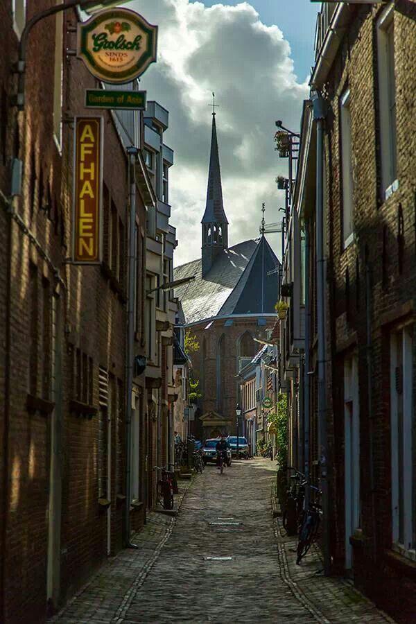Leeuwarden, Friesland. www.parfumflowercompany.com