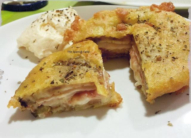 Sandwich de berenjena rebozado con jamón y queso http://www.thespanishfood.es/2012/10/recetas-20-sandwich-de-berenjena.html