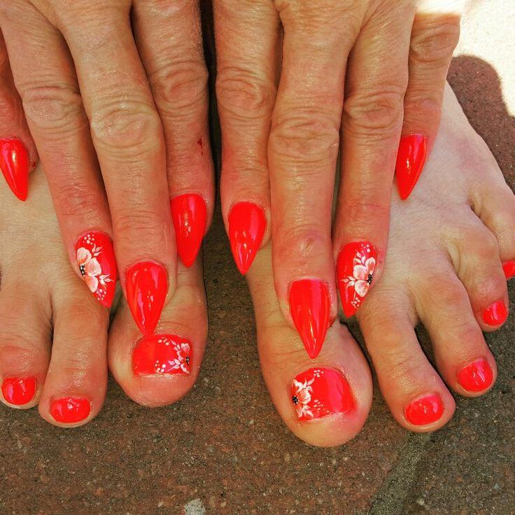 #nails #coral #onestroke #summernails #summer #white #gelnails