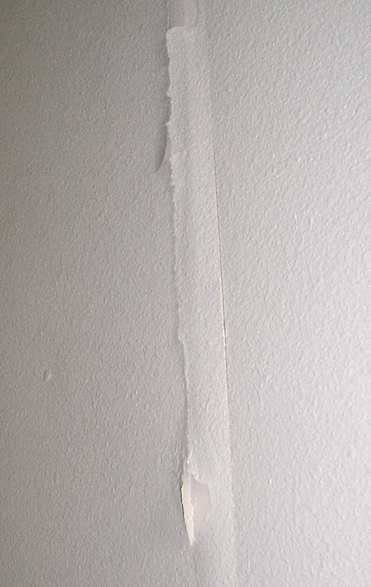 Loose Drywall Tape: How to repair