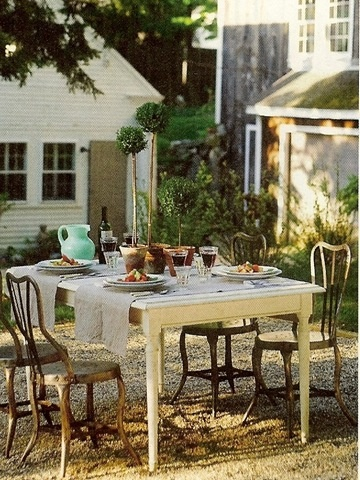 so greatOutdoor Dining, Farmhouse Table, Gravel Patios, Dinner Parties, Gardens, Fleas Marketing, Outdoor Entertainment, Entertainment Ideas, Summer Dinner