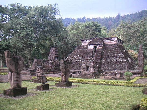 Pakej Melancong Percutian http://www.pelanconganindonesia.com/2014/06/pakej-percutian-yogyakarta.html