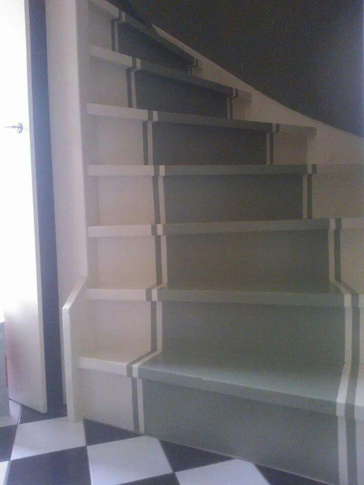 25 beste idee n over trappen schilderen op pinterest verf trap kelde en geschilderde trap - Geschilderde houten trap ...