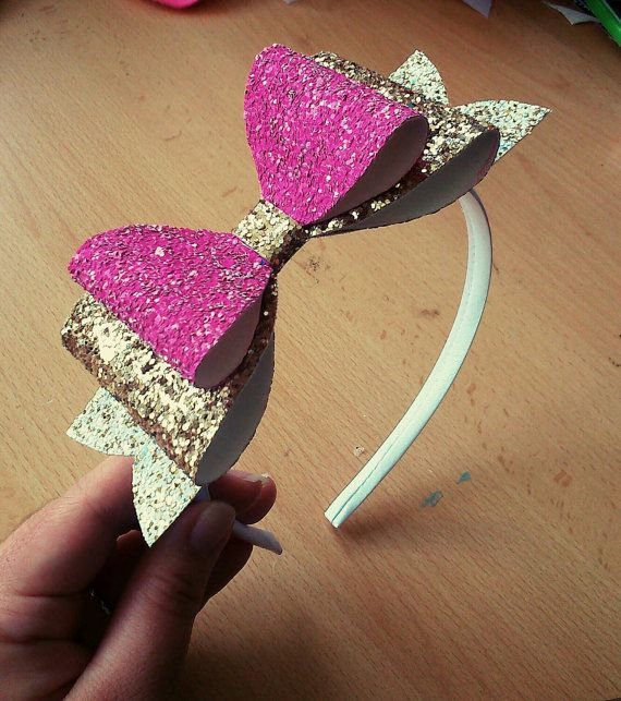 Hey, I found this really awesome Etsy listing at https://www.etsy.com/uk/listing/228402829/pink-and-gold-glitter-bow-alice-band