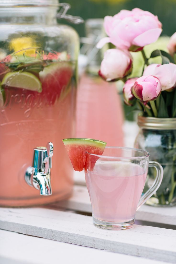 This Kilner drinks dispenser is fantastic for a summer picnic or party