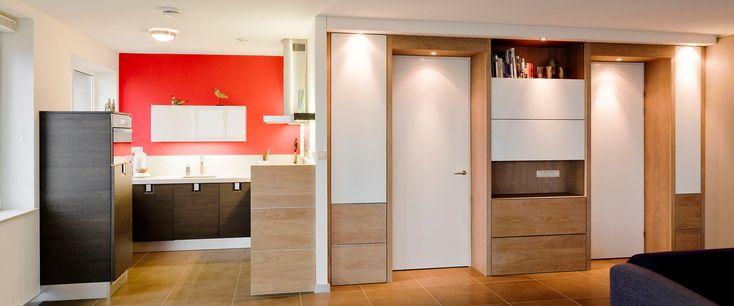 Keuken Enschede en interieur op maat. Als Maciek na afronding van een project zijn gereedschap weer inpakt blijven wij achter met weer een aanzienlijke verfraaiing van ons interieur. Het inspireert ons om met nieuwe wensen telkens weer richting Macc Design te gaan