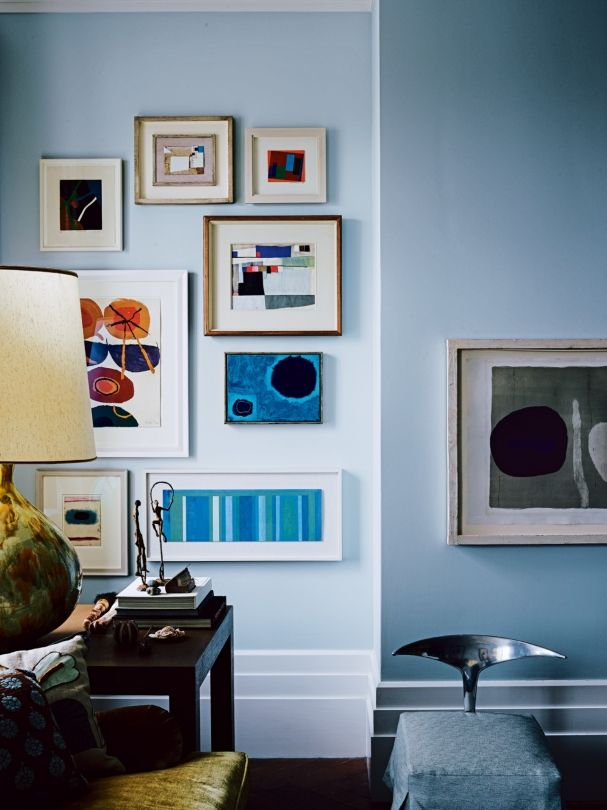 The Most Beautiful Gallery Walls From Pages Of Vogue Living Ellen Hanson Displays Her Skill In Grouping Art With This Tight Collection