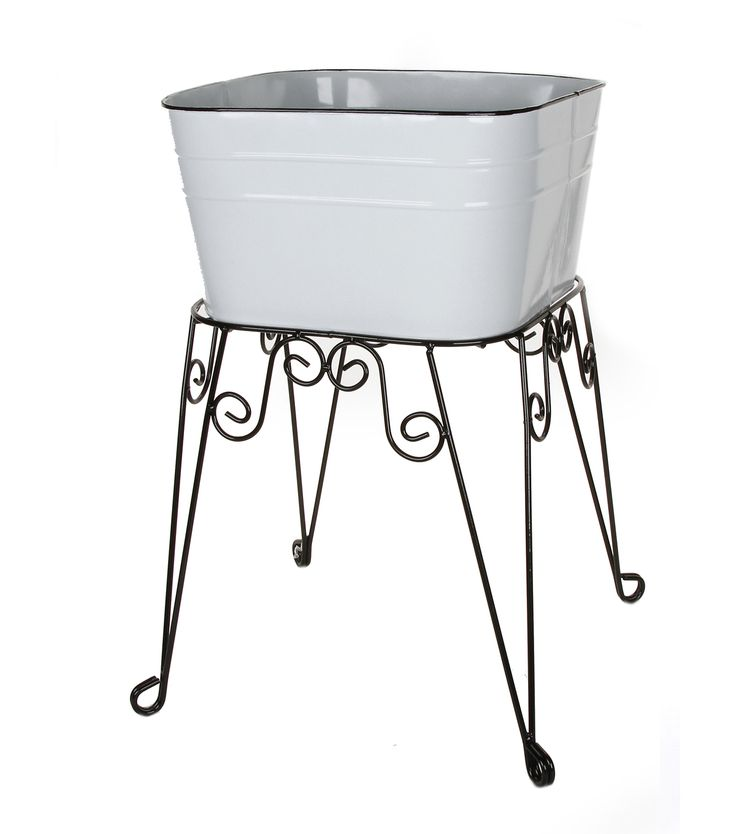 Large, old fashioned white tin washtub provides a variety of decor or craft uses. Ideal for holding #plants in or outdoors. Add your own #embellishment! #spring