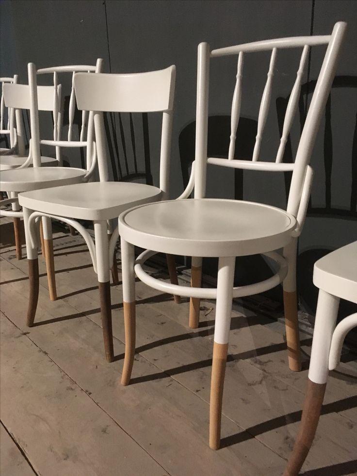 Tauchen und Färben! Jeder Stuhl erhält seine eigene Signatur!