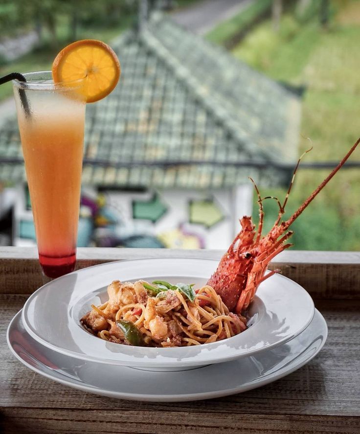 Cheat day on the weekend?  Let's loads some carbo with this Lobster Pasta from @TheFatHog.Bali. This pasta dish loads with the rich tomato  and fresh lobster flavors.  Enjoy your meal while watching their magnificent 360 views surrounded by rice fields and beach view this can be a serene and quiet place to enjoy your meal. --- The Fat Hog Jl. Pantai Kedungu Tanah Lot Bali --- #foodcious #thefathogbali #lobsterpasta #musttry #tanahlot #kedungubeach