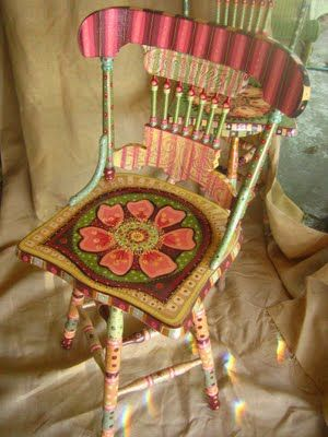 I love this chair... I may have to try to find one to paint!