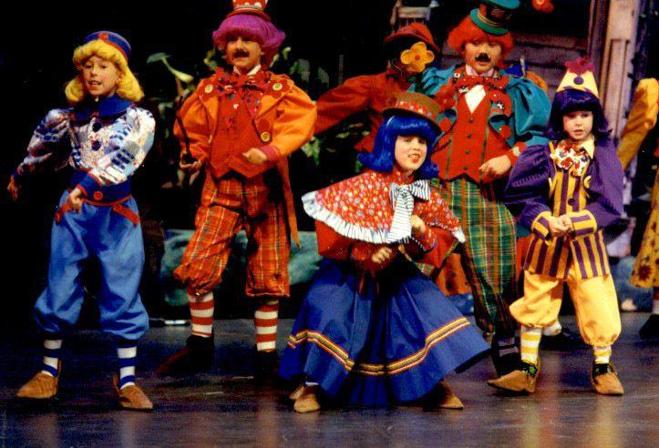 Men39s Vs Women39s Wizard Of Oz Halloween Costumes  sc 1 st  Meningrey & The Wiz Munchkins Costumes - Meningrey