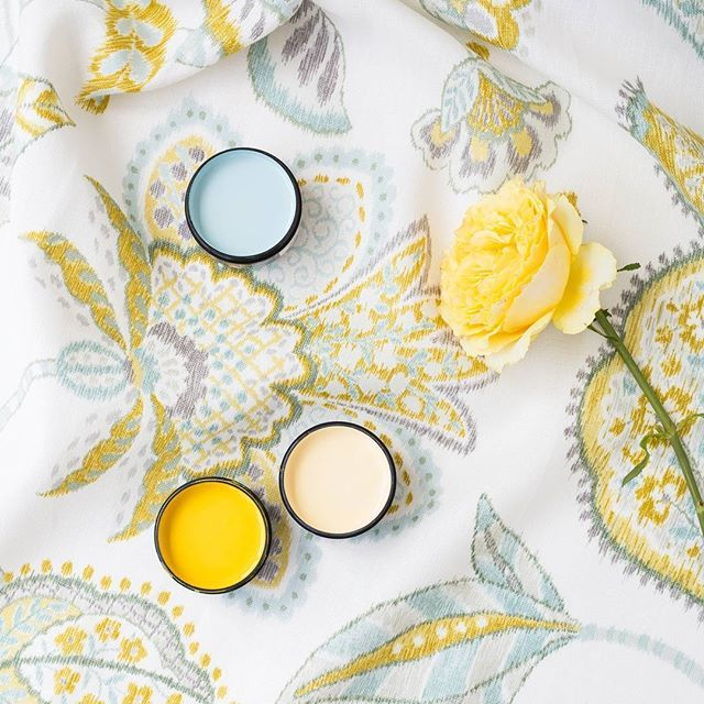 Printed fabric is a great way to create a colour palette for your home. We used Ambrosia in Citron by James Dunlop and colour matched it to (from top) Resene Kumutoto, Resene Galliano and Resene Golden Glow. @welovefabric #Resenelovesmoodboards #inspiredbyfabric #Resene #jamesdunloptextiles #blooms #floralshades #testpots